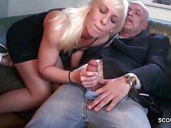 Rubia, grande, tomar una sexo xxx con mujeres casadas Ducha, él es su marido