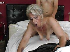 El atleta juega en el videos de sexo con mujeres infieles trabajo cuando el jefe está fuera de la casa.